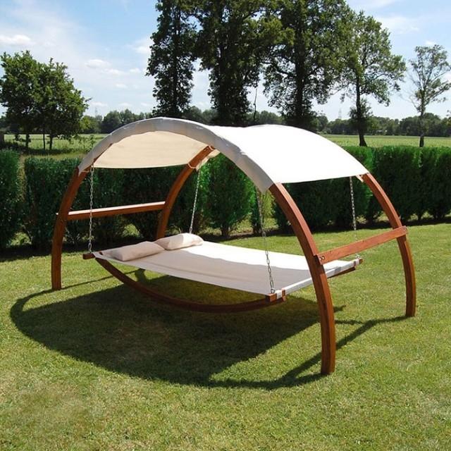 кровать с навесом в Украине в сад