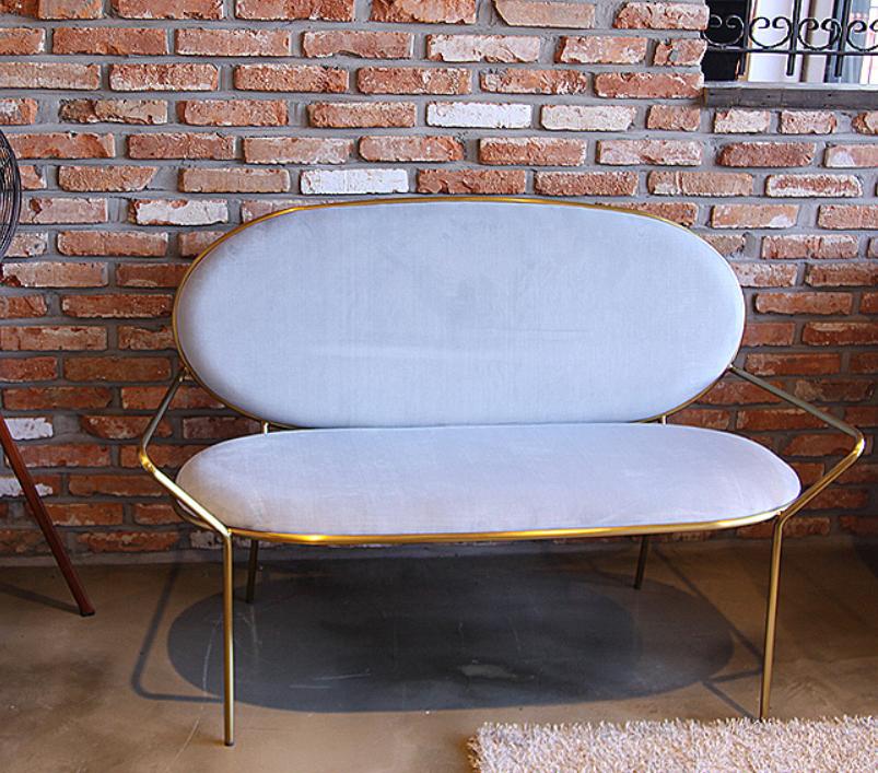 овальный диван в Украине стиль LOFT