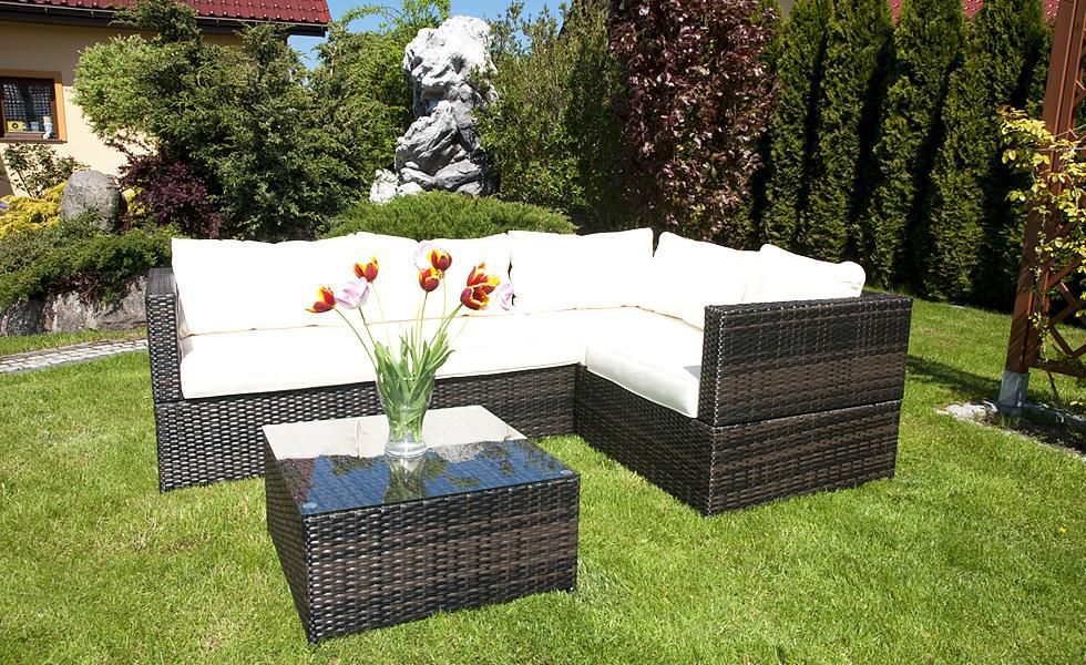 Какая мебель подойдёт для отдыха на свежем воздухе?