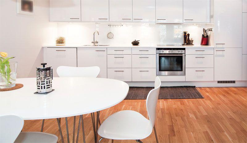 стол для кухни студии
