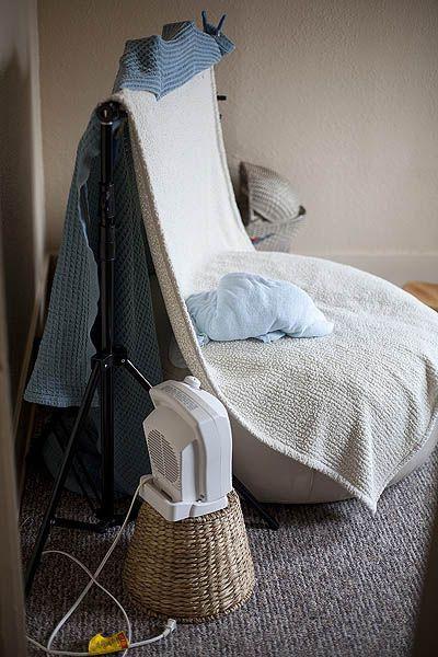 Пуфик подушка как реквизит для съемки новорожденных